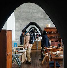 On #archs #walls #crafts and #artsy #spaces.  Photo taken at mAAch ecute Kanda Manseibashi old JR East station turned commercial complex.  #akihabara #manseibashi #tokyo #jrrail #artsyfartsy