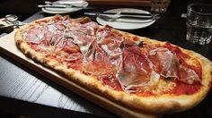 2012 new toronto eatery hotspots Sourdough Pizza, Hawaiian Pizza, Pizza Recipes, Pepperoni, Places To Eat, Toronto, Restaurant, Meat, Food