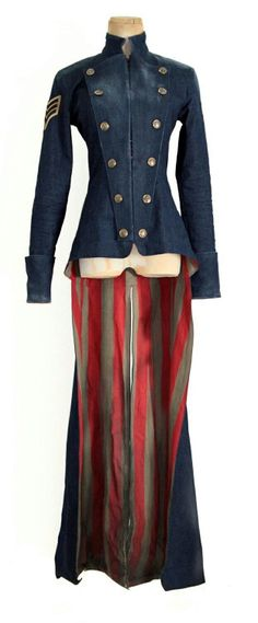 steampunk ringleader coat / long jacket / military / wasteland wanderer / post apocalyptic inspiration / women's fashion / dystopia