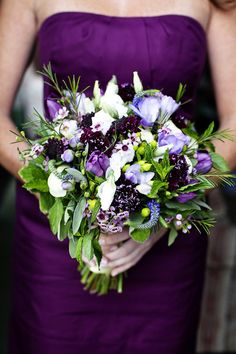 Gorgeous purple hued bouquet by the fabulous Hana Floral Design! Photography by annasawinphotography.com