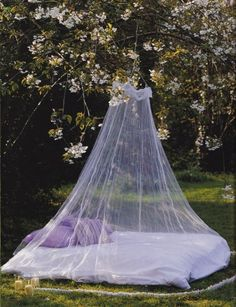 40 Awesome Mosquito Net Ideas For Outdoors : Feminine White Outdoor Bedroom With Mosquito Net