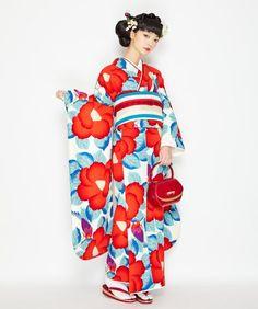 ふりふ 振袖 椿鳥 2018-2019 Kimono Fashion, Lolita Fashion, Fashion Outfits, Japanese Costume, Japanese Kimono, Yukata Kimono, Kimono Abaya, Korean Streetwear, Kimono Design