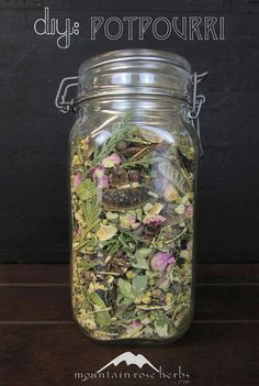 DIY Herbal Potpourri! Tips, essential oils, and organic herbs.