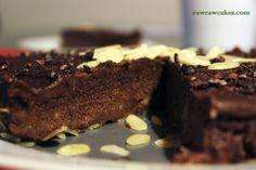 raw banana chocolate cake Raw Banana, Banana Cheesecake, Raw Cake, Raw Chocolate, Raw Vegan, Desserts, Recipes, Cakes, Food