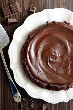 Flourless Chocolate Cake http://www.somethingswanky.com/flourless-chocolate-cake/?utm_campaign=coschedule&utm_source=pinterest&utm_medium=Something%20Swanky&utm_content=Flourless%20Chocolate%20Cake