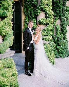 149 отметок «Нравится», 29 комментариев — WEDDING PHOTOGRAPHERS IN ITALY (@kirandiraphotography) в Instagram: «The stunning wedding of Lucas and Kaitlin is already available on our website💕Follow the link in…» Villa, Wedding Dresses, Fashion, Bride Dresses, Moda, Bridal Gowns, Fashion Styles, Weeding Dresses, Wedding Dressses