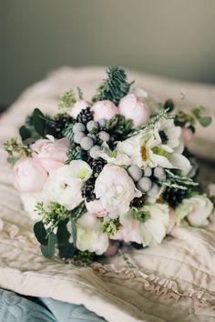 winter, wedding decor, winter ceremony, snowy wood, bridal bouquet, свадьба, свадебная церемония, свадебная арка, оформление церемонии, зимний декор, зимняя свадьба, волшебный лес, букет невесты