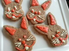 This is a work in progress, so watch this page for updates. I've been working on developing this recipe that will pipe somewhat like royal icing, harden, and has no sugar. So many of the dog biscuit decorating ideas like carob chips and yogurt chips have sweeteners in them. I am trying not to create …