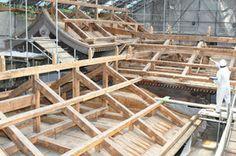 戦前の姿に復元 諏訪大社・上社本宮社殿の屋根
