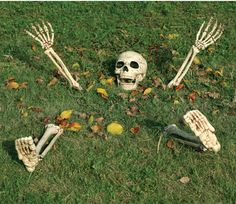 Halloween Skeleton Ground Breaker #halloween #holidays #outdoor #scary #spooky #home #decor #skeleton #TotallyGhoul