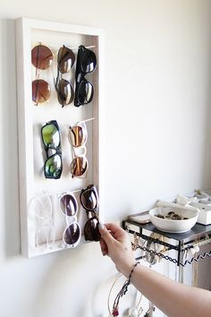 I really need to make one of these. I have far too many sunglasses but always wear the same ones because they're all in a box somewhere.