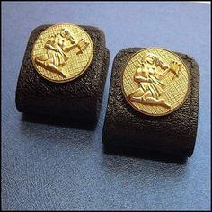 Anson Vintage Cufflinks 24kt GP Virgo Astrology Sign Mens Jewelry http://www.greatvintagejewelry.com/inc/sdetail/anson-vintage-cufflinks-24kt-gp-virgo-astrology-sign-mens-jewelry-/17489/19724