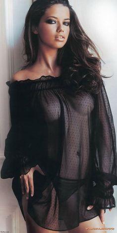 Sexy Brunette ➳❤ ⊱ℳℬ⊰ http://euro.pinshopway.com/sexypins/trickling/