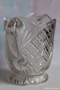 Jarra de cristal prensado de Santa Lucia años 40?