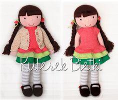 Polina - zabawka wykonana ręcznie na szydełku. Lalka ubrana jest w sukienkę, sweterek oraz szydełkowane buciki.  Wielkość lalki : o...