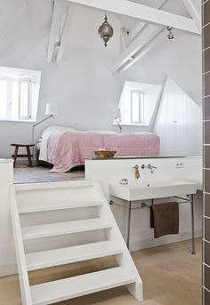 Love this loft like bedroom..it separates the two spaces nicely. Although I would have it is a bedroom/study/sewingroom