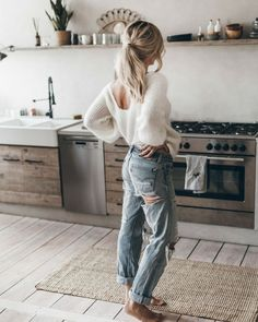 Dressy Casual Outfits, Cool Outfits, Winter Outfits, Summer Outfits, Autumn Winter Fashion, Winter Style, Fall Fashion, Videos, Mom Jeans