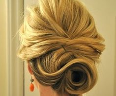 Want my wedding hair to look like this!