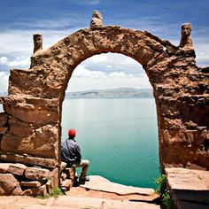 Explore the beauty and mystery of Titicaca Lake! Sweet Travel Peru is here to assist! Book Titicaca Lake Tours with us. Ecuador, Bolivia Peru, Costa, Lake Titicaca, American Tours, Peru Travel, South America Travel, Machu Picchu, Where To Go