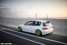 Mickey Andrade's 1993 Honda Civic SiR-S hatchback EG6 via SpeedHunters.com - Now that's a good looking Civic.