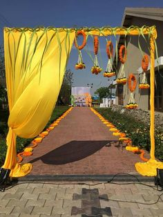 When you're looking for flower decorators in Hyderabad or Wedding Stage Decoration, choose the best professionals. Mars Event Planner would help make your perfect celebration happen in a unique and luxurious style. Desi Wedding Decor, Wedding Hall Decorations, Wedding Mandap, Flower Decorations, Diy Flowers, Wedding Ideas, Wedding Walkway, Wedding Entrance, Entrance Decor