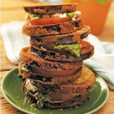 Enjoy these #Summer Pesto Veggie Stacks! #vegetarian #pesto