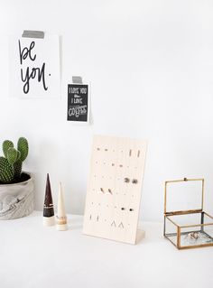 DIY Earring Stand @t