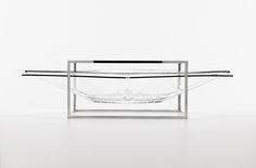 """Inspirado nos projetos arquitetônicos do modernismo – a conversa entre curvas e linhas, entre o concreto e o espaço livre, a Rivacriou o Centro de Mesa que protagoniza a coleção K. O Centro de Mesa é formado por uma armadura de Aço Inox 18/10 que<span class=""""more""""><a href=""""http://site.riva.com.br/item/centro-de-mesa-k/"""">Read more…</a></span"""