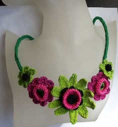 Ravelry: Summer crochet flower necklace pattern by Tatiana Brestovanska ~ Free Pattern by Shiny Crochet Jewelry Patterns, Crochet Flower Patterns, Crochet Accessories, Crochet Flowers, Pattern Flower, Irish Crochet, Crochet Yarn, Thread Crochet, Jewelry Crafts