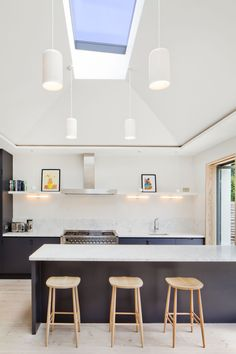 This project was based on a design by Maria Salt at Salt West Architects. The industry leading Aero Electric is the only skylight of its sort in the market.