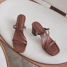 Pretty Shoes, Cute Shoes, Me Too Shoes, Aesthetic Shoes, Prom Shoes, Women's Shoes Sandals, Sandal Heels, New Shoes, Fashion Shoes