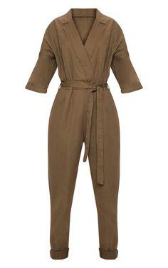 The Khaki Denim Utility Jumpsuit. Head online and shop this season's range of denim at PrettyLittleThing. Chic Outfits, Fashion Outfits, Short Jumpsuit, Black Shorts, Capsule Wardrobe, Clothes For Women, Ladies Clothes, Korea, Denim