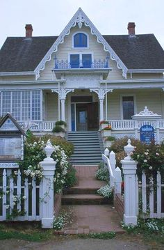 What is a Victorian Gothic house? Examine some English Gothic Revival architecture stylings that made it to the United States between 1840 and Gothic Revival Architecture, Architecture Images, Amazing Architecture, Landscape Architecture, Gothic House, Victorian Gothic, Victorian Homes, Victorian Cottage, Architect Jobs