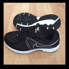 Nike dart 9 In very good clean condition wore only a few times  Size 7in men's which means can fit women's 8-9 I wear size 8 and fit me Nike Shoes Athletic Shoes