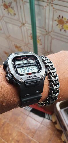 Cool Watches, Watches For Men, Luminor Watches, Survival Stuff, Casio G Shock, Casio Watch, Edc, Smart Watch, Helmet