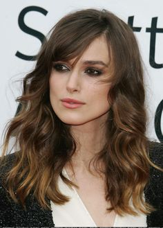 Keira Knightley Smokey Eye Perfection with coral rose pink lips