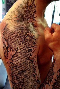 Schrift Tätowierung Arm und Hals