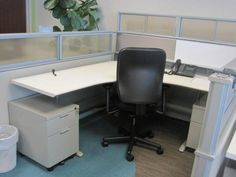 Herman Miller My Studio Environments includes 2 mobile Box File Pedestals adjustable height table $500