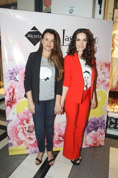Adriana y Natalia Oreiro Business Outfits, Capri Pants, Pretty, Style, Fashion, Templates, Natalia Oreiro, Business Wear, Spring Summer
