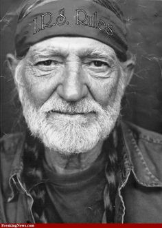 Country Singer-Songwriter Willie Nelson: July 2014 - A Closer . Country Music Stars, Country Music Artists, Country Singers, Country Musicians, Willie Nelson, Music Icon, My Music, On The Road Again, Thing 1