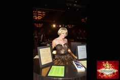 gold style strolling table diva by J & D Entertainment Houston, Houston human table, living table