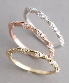 i want the rose gold one....