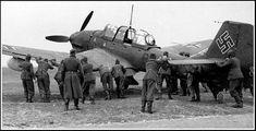 Uma coletânea de fotos raras da Luftwaffe, tiradas durantes a Segunda Guerra Mundial, em todos os teatros de operações, mostrando um pouco ...