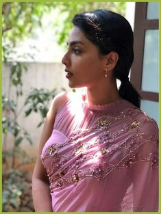 Sheer elegance of sheer blouses! Saree Blouse Designs, Blouse Patterns, Stylish Blouse Design, Blouse Models, Dress Models, Saree Trends, Traditional Fashion, Saree Styles, Blouse Styles
