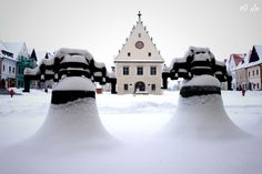 Bardejov, Old church bells covered with snow. Christmas Markets, Old Churches, Place Of Worship, Old World Charm, Winter Sports, Gates, Snow, Pure Products, Nature