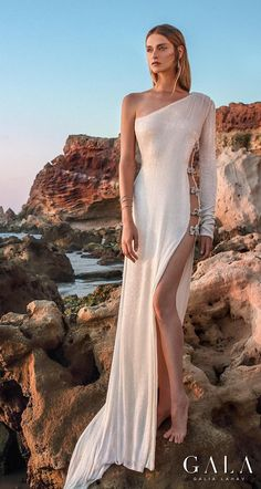 Meet your favorite new bridal collection, inspired by the beauty of the sea! Dream Wedding Dresses, Bridal Dresses, Wedding Gowns, Trumpet Dress, Gala Dresses, Gowns With Sleeves, Mermaid Gown, Classy Outfits, One Shoulder Wedding Dress