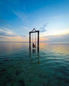 Swinging in Blue Paradise! Could you mention the name of this Place? Pic. @travisburkephotography Loc. Gili Trawangan Keep use hashtag #balicili to allow Us feature your moment in #bali with @balicili . Business inquiries: hi.balicili@gmail.com Cili is balinese word for Prosperity & Great Fortune Thanks for sharing. NOTE : KEEP BALI CLEAN #gili #beach #beautiful #sunset #travel #jimbaran #wonderfullombok #lombok #gotogili #paradiseisland #balilife #legian #canggu #singaraja #lembongan #ubud…