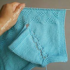 Wavy Triangles Baby Vest Knitting Pattern – Інна – Join in the world of pin Crochet Vest Pattern, Easy Knitting Patterns, Cardigan Bebe, Baby Cardigan, Pull Bebe, Baby Boy Knitting, Knit Baby Dress, Baby Sweaters, Crochet Baby