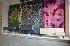 Das Kolo-Möbel im Schottenring 31 im ersten Bezirk in Wien. Am 02.12.2017 eröffneten wir dort die erste Ausstellung des KOLO.  #möbel #furniture #design #seidenholz #burnedwood #lückenfüller #small #sideboard #präsentation #wien #presentation Modern, Tapestry, Design, Home Decor, Hanging Tapestry, Trendy Tree, Tapestries, Decoration Home, Room Decor