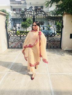 Dress Simple Anarkali Classy 15 Ideas For 2019 Punjabi Salwar Suits, Pakistani Dresses, Indian Dresses, Indian Outfits, Salwar Pants, Embroidery Suits Design, Embroidery Dress, Simple Anarkali, Lehenga Suit